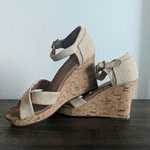 Toms Wedges Size 8.5